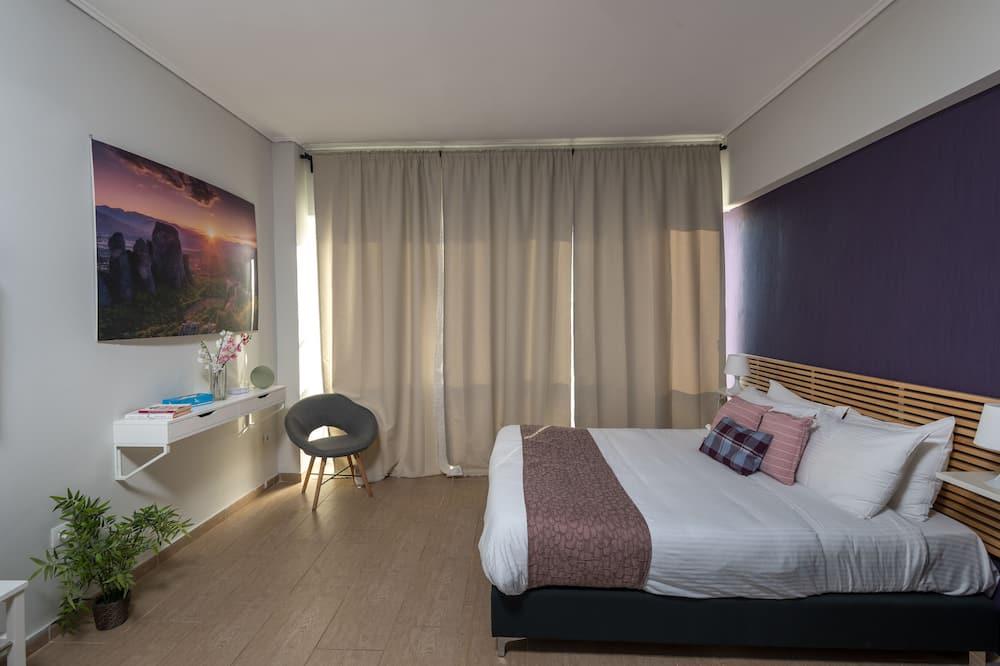 Comfort Suite, 1 Bedroom, City View (4A) - Living Area