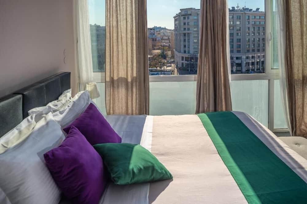 Comfort Studio Suite, 1 Bedroom, City View (5A) - Living Area