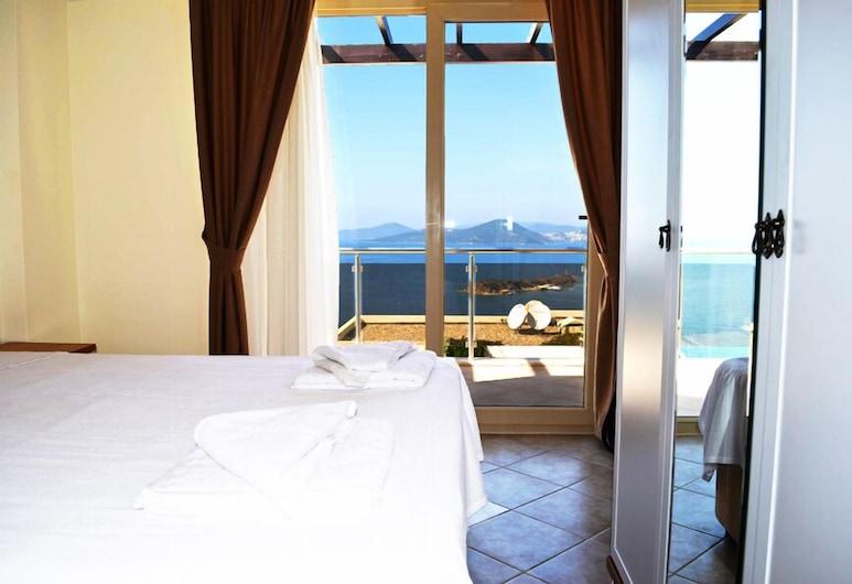 1 Bedroom Apartment Sea View 10 by Likya Global, Milas, Departamento, 1 habitación, vista al mar, Habitación
