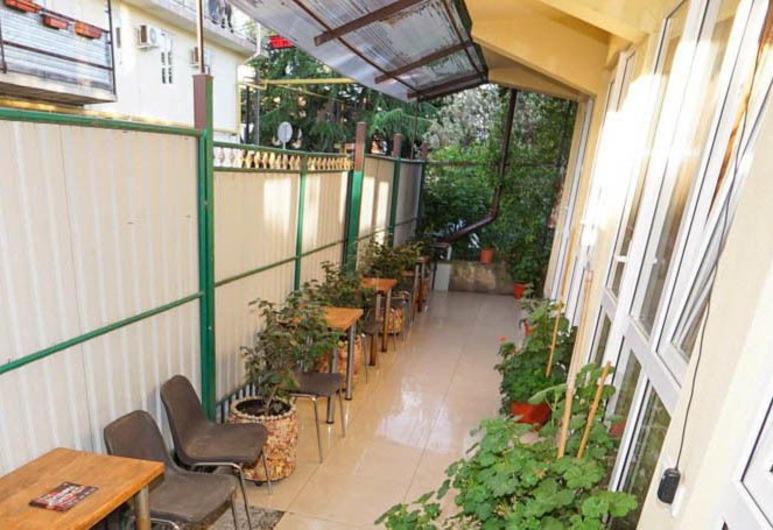 Guest House on Vzletnaya, Adlersky, Balcony