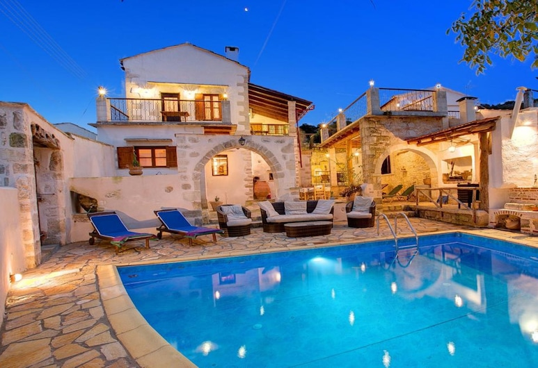 Grape Cottage Heated Pool, Апокоронас