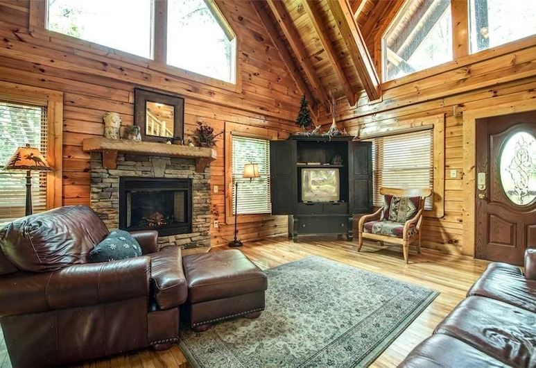 Bear Creek Lodge Covered Bridge - Five Bedroom Cabin, Sevierville