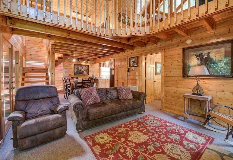 Creekside Romance - One Bedroom Cabin, Pigeon Forge