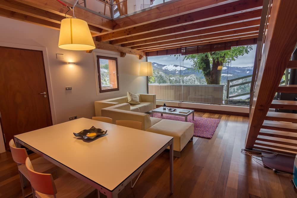 Superior Apartment, Terrace, Mountain View - In-Room Dining
