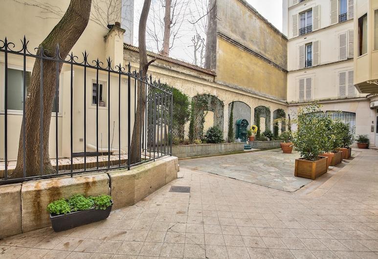 75 - Paris Assas, Παρίσι, Αυλή