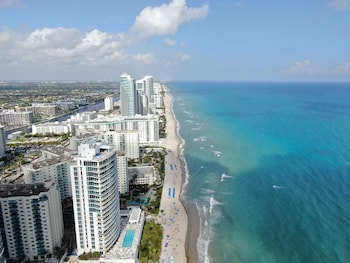 Picture of 1stHomeRent Apartments at Hollywood Beach in Hollywood