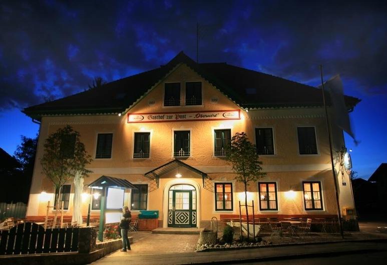 Gasthof zur Post Oberwirt, Chieming, Hotel Front – Evening/Night