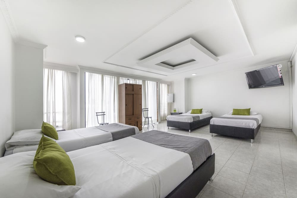 Quadruple Room, Non Smoking - Guest Room
