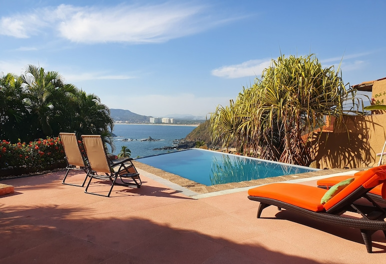 Breathtaking Ocean Views From 4500 sq ft Stand Alone House, Ixtapa, Pool
