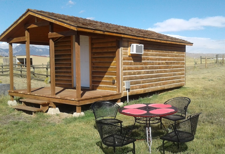 Cozy Cabin At The Foot Of Big Horn Mountains, Wonderful View, Horse Lodging, بوفالو, شُرفة