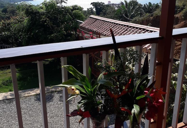 Hotel Villa Manolo, מפרץ דרייק, סוויטת סופריור, מיטת קינג, ללא עישון, נוף להר, חדר אורחים