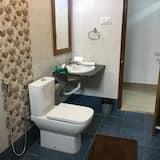 Executive Single Room, 1 King Bed - Bathroom