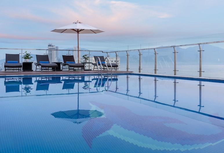 Sunny Ocean Hotel & Spa, Da Nang, Katusebassein