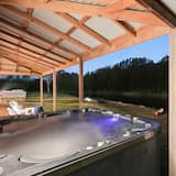 Honeymoon Suite, 1 Queen Bed, Non Smoking - Private spa tub