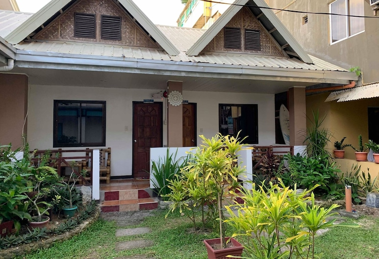 St Vincent Cottages Dee and Timmy Side, Boracay Island