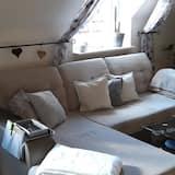 Comfort Condo, 2 Bedrooms, Park View (Blue zwei) - Living Area