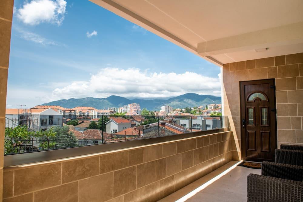 Deluxe Apartment, 3 Bedrooms, Sea View - Balcony
