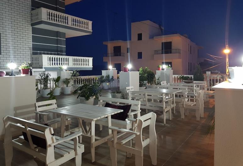 Filipi Hostel, Sarandë, Terrace/Patio