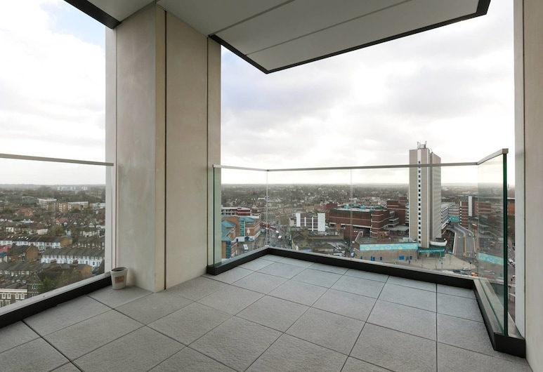Modern 2 bed for 4 Guests - 15 Mins to LDN Bridge!, London, Balkon