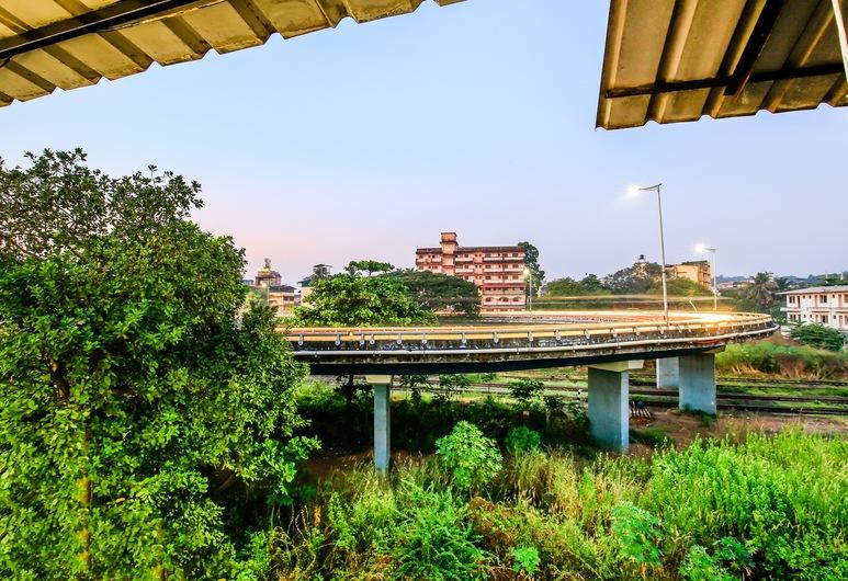 OYO 23035 Srinivas Residency, Margao, Terrein van accommodatie