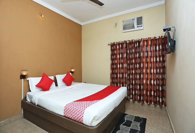 OYO 12777 Hotel Classic, Raipur, Double or Twin Room, Guest Room