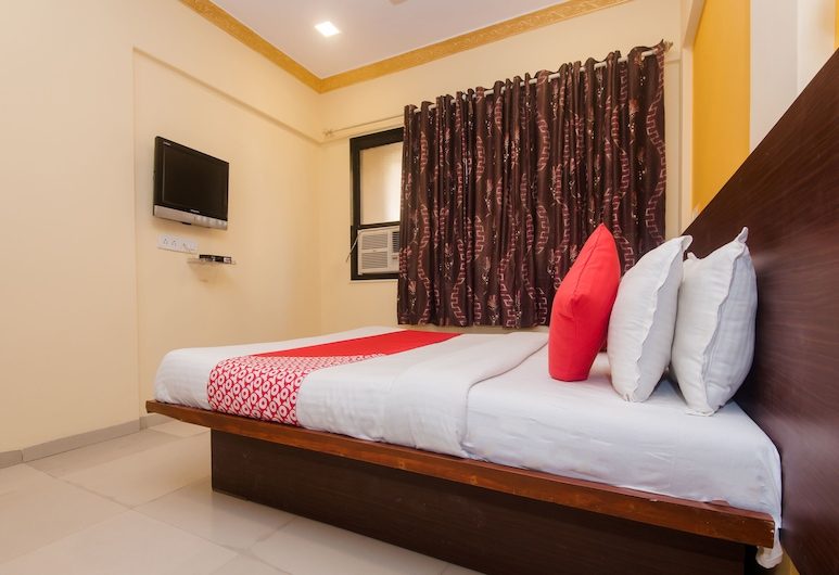 OYO 13470 Hotel Symphony House, Mumbai, Double or Twin Room, Guest Room