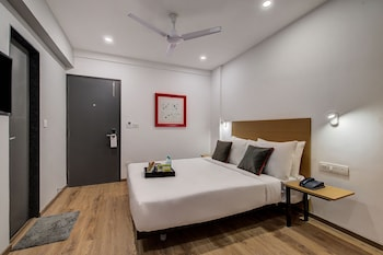 Picture of OYO Townhouse 71 Khar West Station in Mumbai