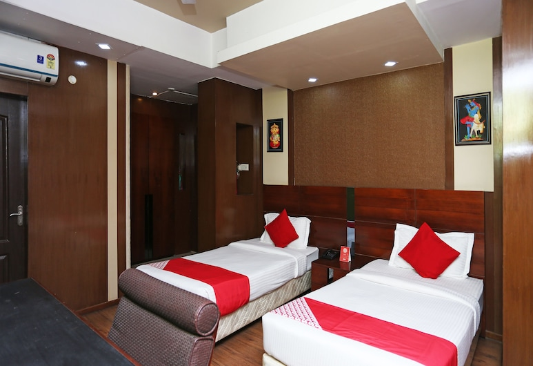 OYO 24855 Ambassador Hotel, Kalyani, Deluxe Double or Twin Room, 1 Twin Bed, Guest Room