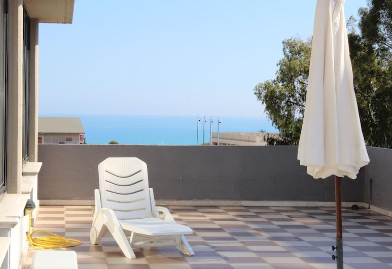 Al Kaos da Pirandello - Apartments, Porto Empedocle, Taras/patio