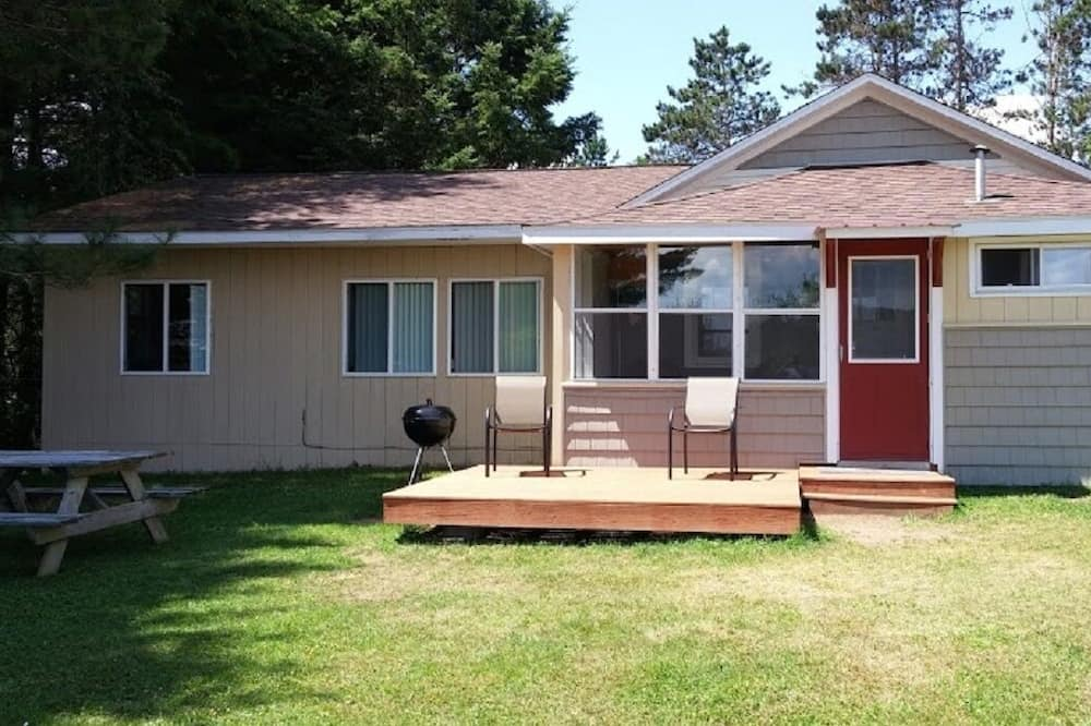 🎣 Eagle's Nest Lakeside Vacation Cottage