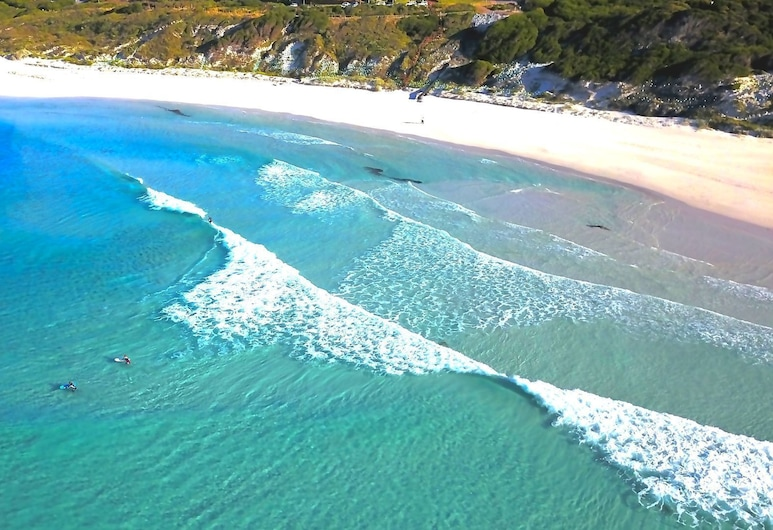 West Beach Holiday House with Amazing 360 Views, Esperance, Pludmale