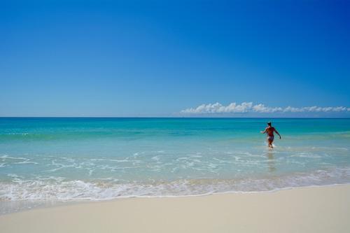 静かなビーチと5つ星の設備を備えたプライベートヴィラ!