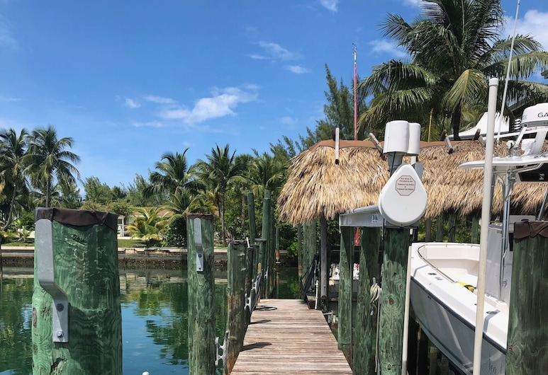 Canal Waterfront , With Private Dock, Treasure Cay, Pool