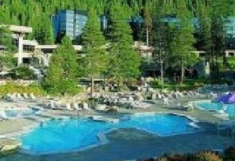 Resort at Squaw Creek: Queen Room/pools/spas/fitness Ctr/golf/bike, Olympic Valley, Prostor za fitness