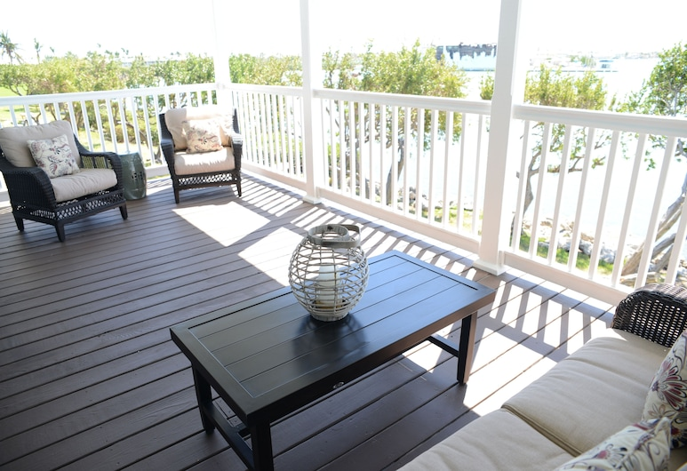 3BR/3BA Sunset Cottage located at The Villages of Hawks Cay , Duck Key, Terrace/Patio