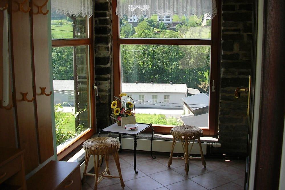 Άνετο 3 *** διαμέρισμα σε μια ηλιόλουστη τοποθεσία με ξεχωριστή είσοδο