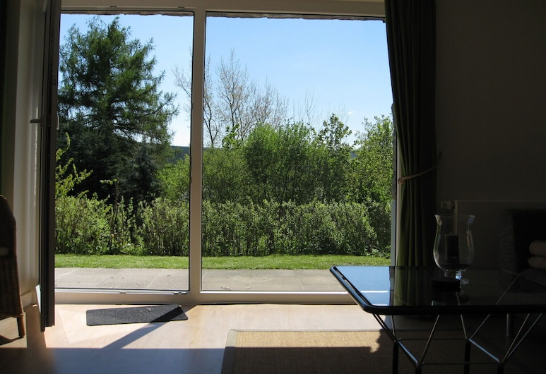 in a beautiful country house, luxury refurbishment, right on the forest + near the golf course, Schmallenberg