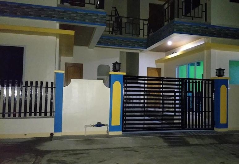 트윈 아파트 홈스 보라카이, Boracay Island, 호텔 정면