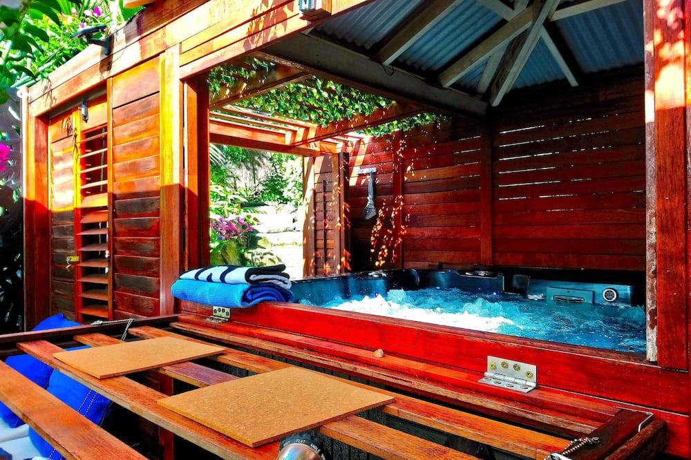 Коттедж «Комфорт» - Индивидуальная спа-ванна