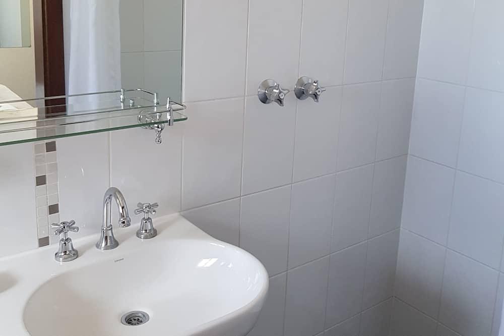 Habitación estándar, Varias camas, para no fumadores - Baño