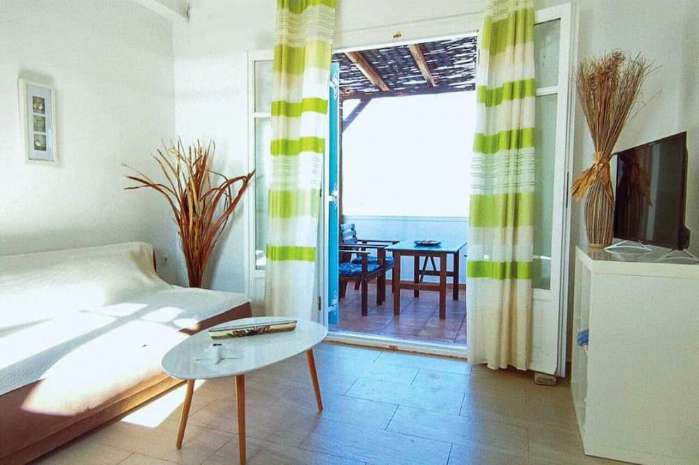 Family Apartment, 2 Bedrooms, Sea View (3) - Ruang Tamu