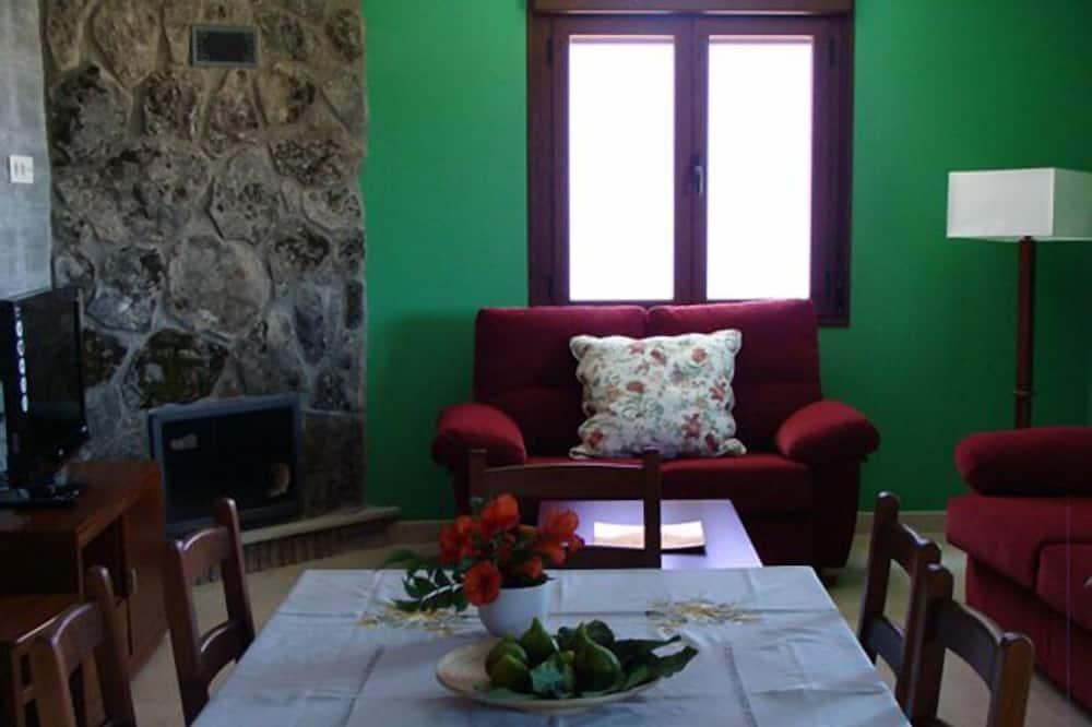 House, 3 Bedrooms (Verde) - Living Area