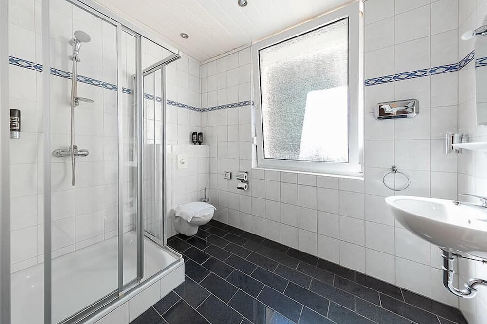 Single Room, 1 Twin Bed, Non Smoking - Bathroom