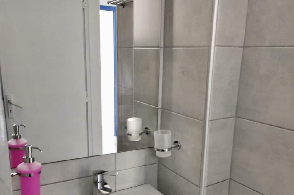 Klassiek appartement, 1 slaapkamer, niet-roken, Uitzicht op zee - Badkamer