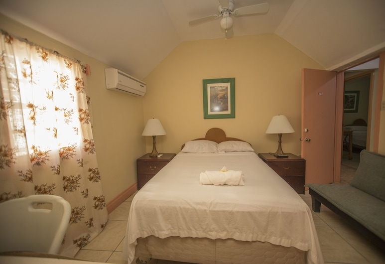Glimbaro's Guest House, Basseterre, Basic Double Room, Non Smoking, Guest Room