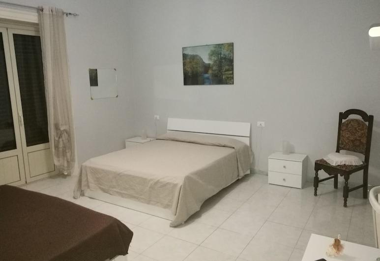 Stazione di Palermo affitti, Palermo, Camera familiare, bagno in camera, Camera