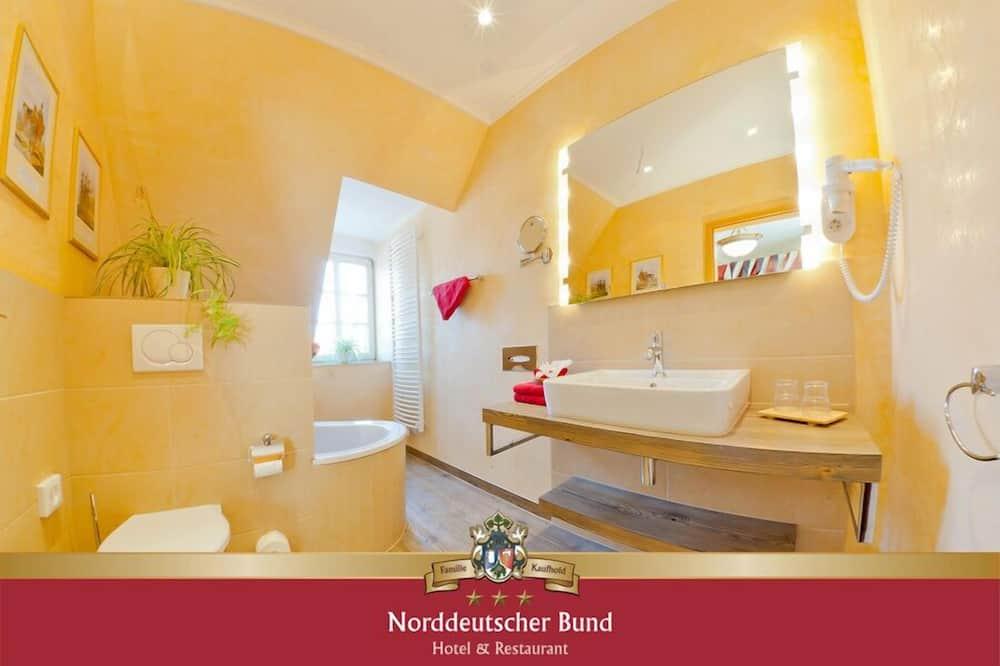 Sviitti (Bismarck Suite) - Kylpyhuone