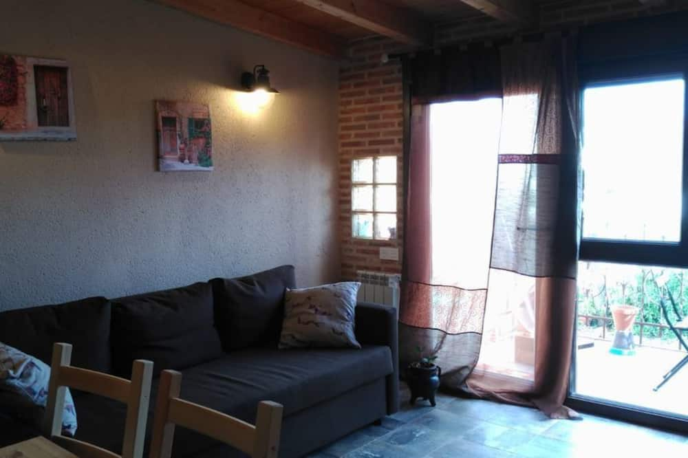 House, 3 Bedrooms, Non Smoking, Courtyard View - Living Area