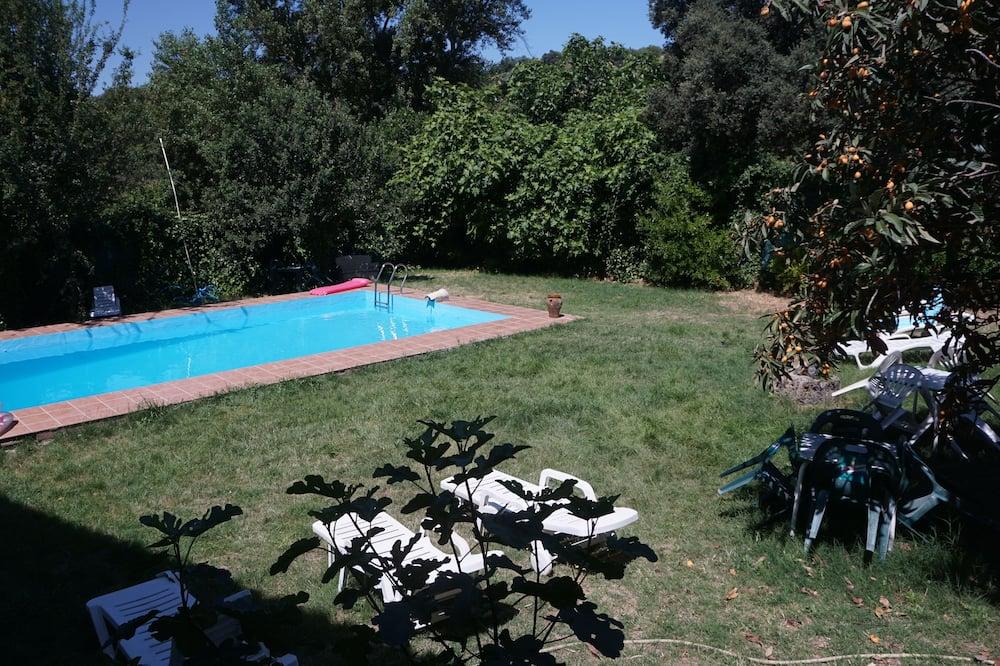Deluxe Room, 1 Double Bed - Outdoor Pool