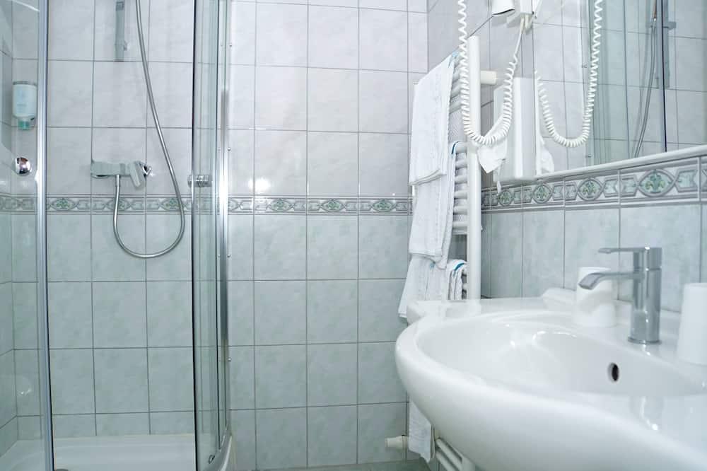 Yhden hengen huone - Kylpyhuoneen pesuallas